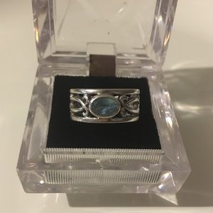 STERLING SILVER RING - TOPAZ STONE - SIZE 8